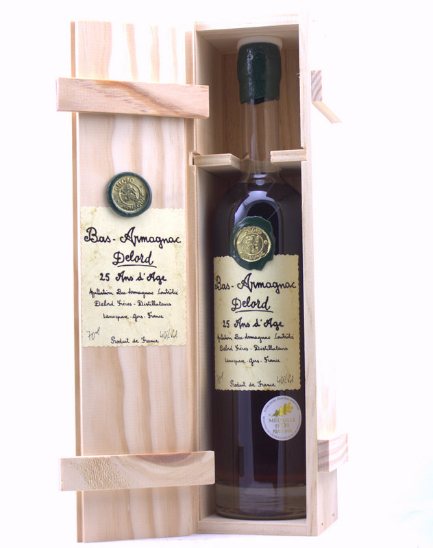 Bas-Armagnac, Delord - 25 years old/25 Ans d'Age - 70 cl Wooden giftbox